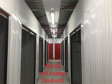 self storage  ledverlichting en noodverlichting gemonteerd
